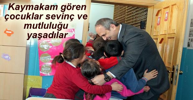 Tosya Şehit Er Murat Çökmez İlkokulu 1.Geleneksel Resim Sergisi açıldı