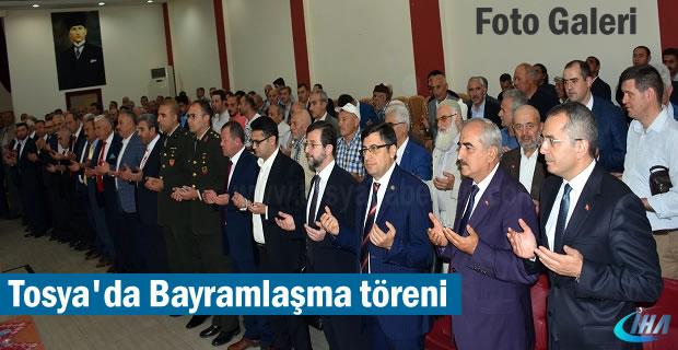 Tosya'da Bayramlaşma Töreniine katılım yoğun oldu