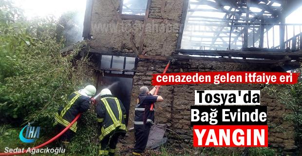 Tosya'da 2 Katlı Bağ Evi Yandı