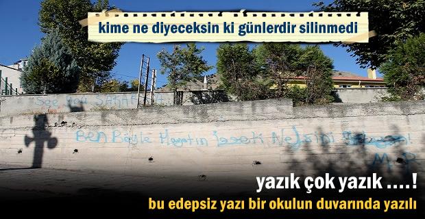 Tosya'da okulun duvarındaki edepsiz yazıya aileler büyük tepki gösteri