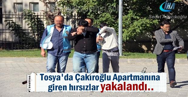 Tosya Menderes Caddesinde 3 daireyi soyan Hırsızlar yakalandı