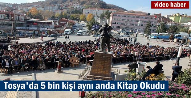 Tosya'da 5 bin kişi aynı anda kitap okudu
