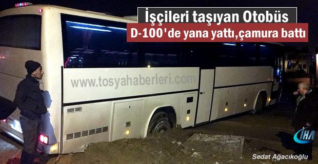 Tosya D-100'de Servis Otobüse yana yattı,çamura battı