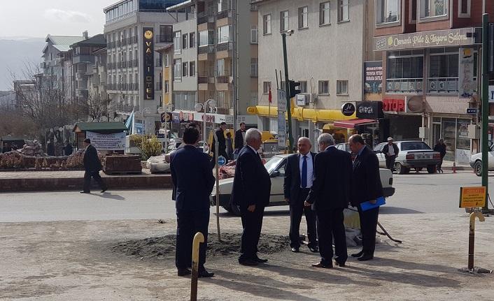 Belediye Başkanı Kazım Şahin Saat Kulesinin yapılacağı alanı inceledi