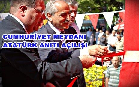 Atatürk Anıtı düzenlenen törenle açıldı.
