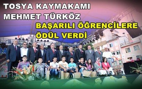 Kaymakam Türköz Başarılı Öğrencileri Festivalde Ödüllendirdi