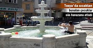 TOSYA'DA SICAKTAN BUNALAN ÇOCUKLAR SOLUĞU SÜS HAVUZLARINDA ALDI