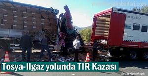 Tosya - Ilgaz arasında TIR Kazasnda 2 kişi ağır yaralandıı
