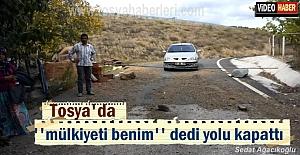 Tosya'da bir vatandaş köy yolunu demir borularla kapattı