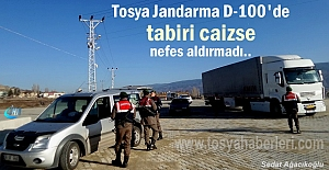 Tosya İlçe Jandarma D-100'de Trafik ve Asayiş Uygulaması yaptı