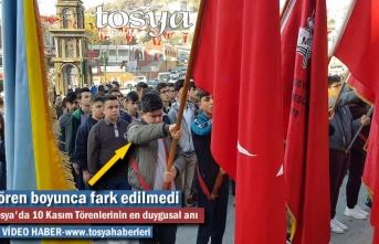 Tosya'da 10 Kasım Atatürk'ü Anma Törenlerinde Öğrencinin Yaşadığı Duygusal Anlar