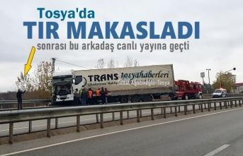 Tosya'da TIR Makasladı Vatandaş Canlı Yayına Geçti