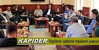 KAPIDER TOPLANTI ÜSTÜNE TOPLANTI YAPIYOR