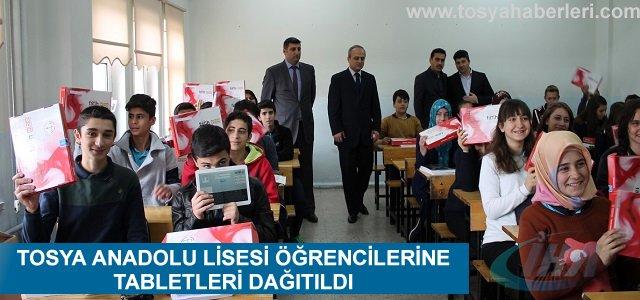 TOSYA ANADOLU LİSESİ ÖĞRENCİLERİNE TABLETLERİ DAĞITILDI