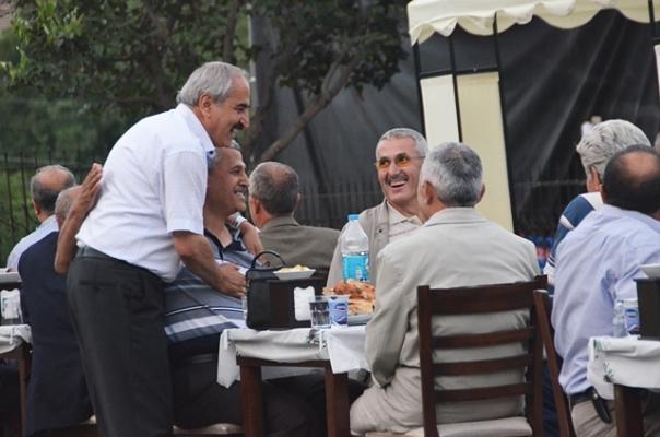 Tosya Belediyesi Muhtarlara ve STK'ya İftar Yemeği Verdi