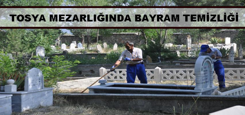 Tosya Asr-i Mezarlığında Bayram Temizliği Başladı