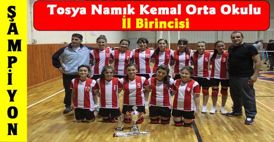 Tosya Namık Kemal Ortaokul Kız Voleybol Takımı İl Birincisi