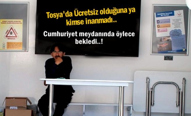 Tosya'da Dikkat çeken broşür dağıttılar