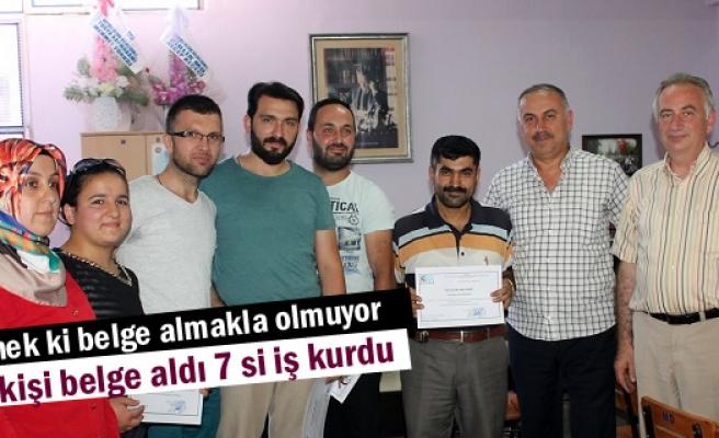 Tosya'da Girişimci Adayları Belgelerini Aldı