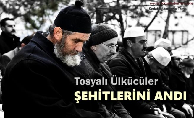 Tosyalı Ülkücü Şehit Mehmet Sarıaslan Kabri Başında Dualarla Anıldı