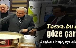 BAŞKAN ŞAHİN EMİTT FUARINDA KEPÇE KEPÇE PİLAV...
