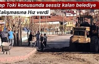 BELEDİYE YOL ÇALIŞMASINA HIZ VERDİ