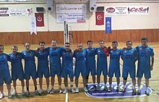 Tosya Kaymakamlığı Voleybol Takımı Çeyrek Finalde