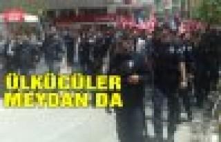 Ülkücüler Şehir Merkezinde Yürüyüş Yaptı