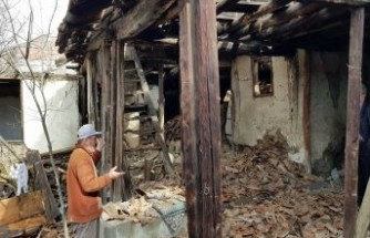 Tosya Belediyesi Yıkımı Başlattı