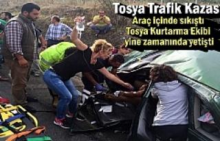Tosya D-100 karayolunda Trafik Kazası; 5 kişi araç...