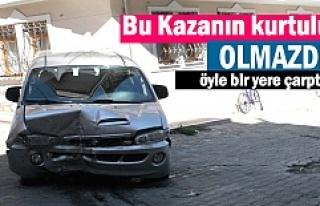 Tosya'da Minibüs Doğalgaz Kutusuna çarparak durdu