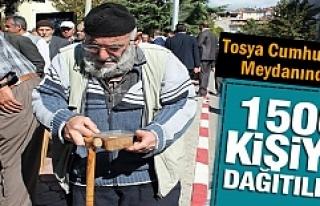 Tosya'da Aşura Dağıtıldı