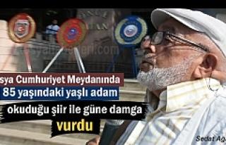 Gaziler Gününde Tosya'da yaşlı adam okuduğu...