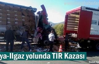 Tosya - Ilgaz arasında TIR Kazasnda 2 kişi ağır...