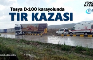 Tosya D-100 karayolunda TIR Kazası Meydana Geldi