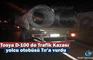 Tosya D-100'de Yolcu Otobüsü TIR'a Arkadan Çarptı