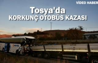 Tosya'da Otobüs Kazası 2 ölü 36 Yaralı