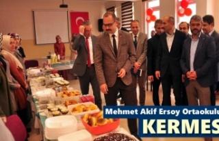Mehmet Akif Ersoy Ortaokulu Kermes Düzenledi