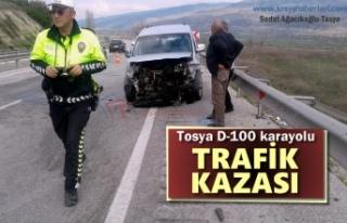 Tosya D-100 Karayolunda Trafik Kazası Ucuz Atlatıldı