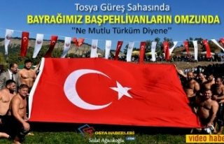 Tosya Güreşlerinde Türk Bayrağı Omuzlarda