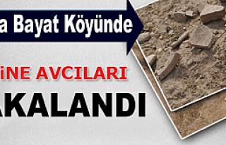 BAYAT KÖYÜNDE DEFİNE AVCILARI YAKALANDI