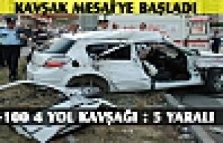 Tosya Dörtyol Kavşağında Trafik Kazası 5 Yaralı...