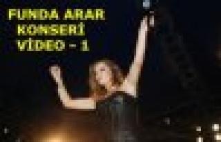 TOSYA - FUNDA ARAR KONSER