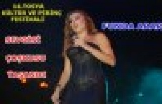 Tosya'da Funda Arar Konseri ve Çoşkusu Yaşandı