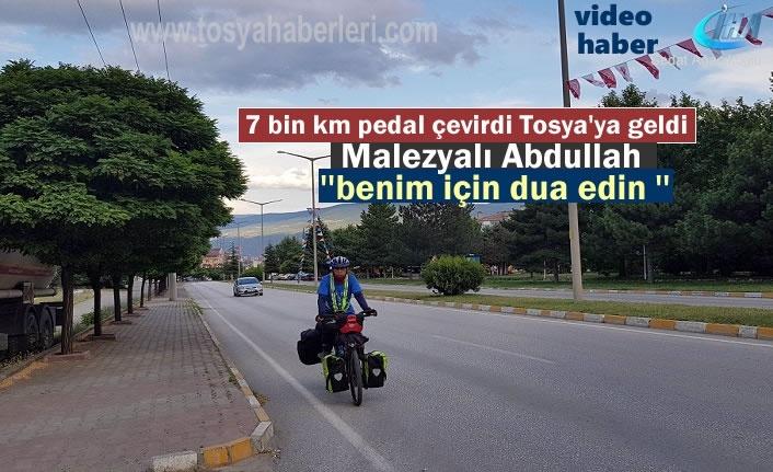 Malezya'dan Bisikletle Hacı olmak için Yola çıktı