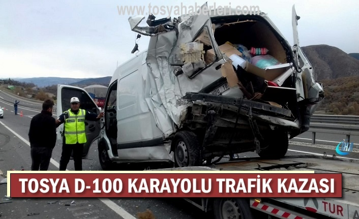 TOSYA D-100 KARAYOLU TRAFİK KAZASI 4 KİŞİ YARALANDI