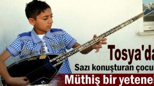 Tosya'da küçük yaşta saz ustası Hızır