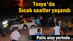 Tosya'da darbe girişimine karşı vatandaşlar, Cumhurbaşkanı Recep Tayyip Erdoğan'ın çağrısı üzerine sokaklara döküldü.