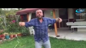 Tosya'da Su hortumu ile çiftetelli oynayan adam
