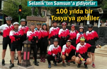 Selanik'ten Samsun'a Pedal Çeviren Bisikletçiler Tosya'da Mola Verdi